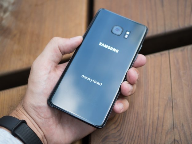 UK networks weigh in on latest Note 7 battery fire reports