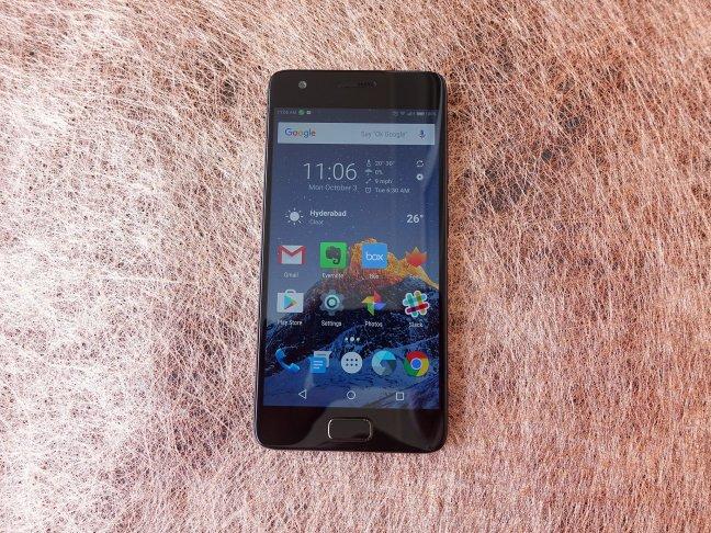 lenovo-z2-plus-hands-06 Lenovo Z2 Plus review: Meet the new flagship killer Android