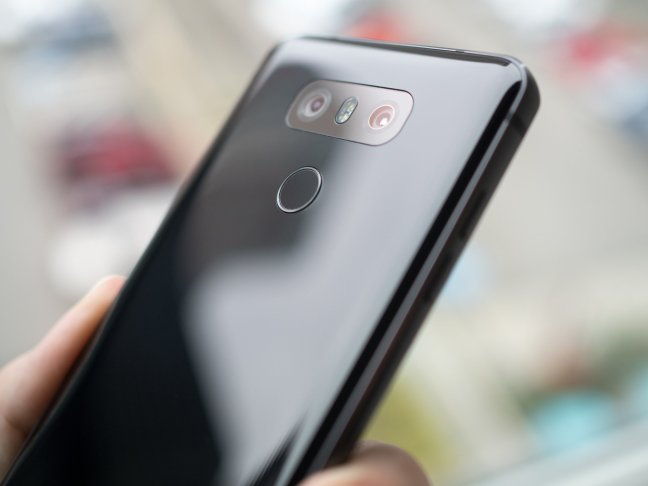 lg-g6-back-glass-black Your LG G6 will scratch, just like every other glass phone Android