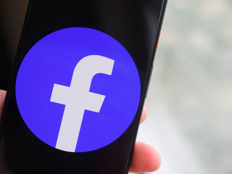 Facebook logo on a Pixel 4 XL