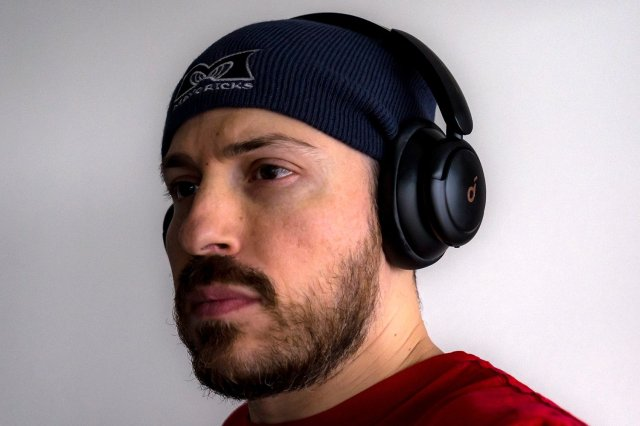 Anker Soundcore Q30 Wearing