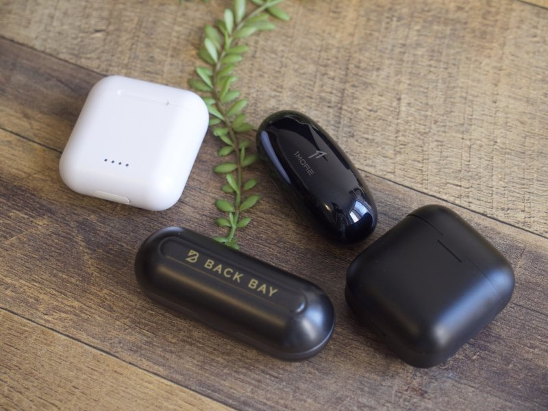 1More ComfoBuds with other earbuds