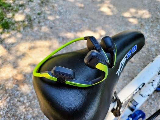 Imoo Ear Care Headset Lifestyle