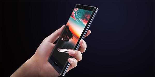 MAZE-Comet-smartphone