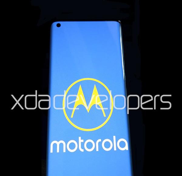 Motorola_Edge+_foto