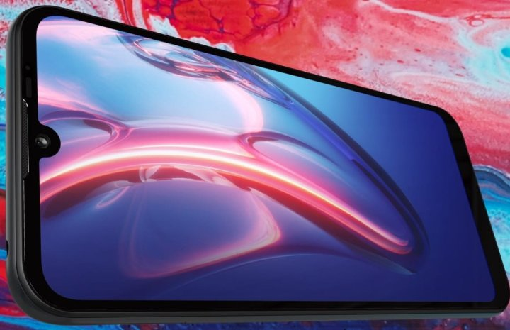 Motorola-Moto-E7-Plus-smartphone