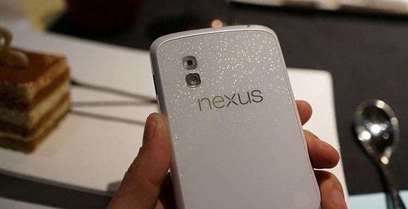 nexus-4-white-2
