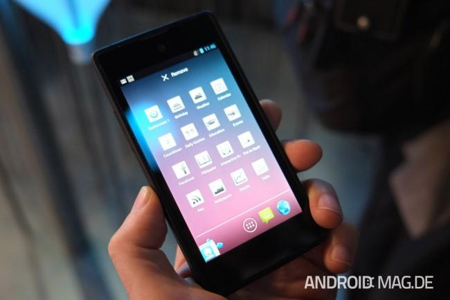Vorderseitig kommt ein 4,5 Zoll großes LCD-Display zum Einsatz. Foto: androidmag.de