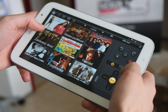Das Tablet wird zur Universalfernbedienung. Peel analysiert Ihr Fernsehverhalten und schlägt mögliche interessante Sendungen vor.