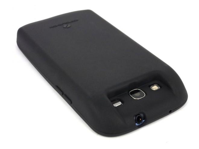 Zum Verwenden der 7000mAH-Batterie ist eine neue Rückwand erforderlich. (Quelle: AndroidPolice)