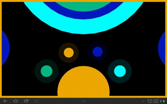 Mit welcher Farbe beginnen? Entscheidend ist, dass am Schluss das gesamte Spielfeld mit gelber Farbe eingefärbt wird. Also empfiehlt es sich nicht, mit Gelb zu beginnen. Hellblau wäre ein Option, danach Dunkelblau, dann Grün.