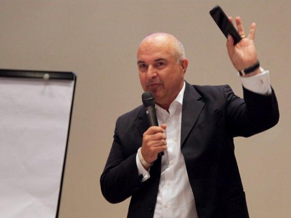 Qualcomms John Stefanac will eine Zusammenarbeit mit den Netzbetreibern forcieren. (Foto: CNET Australia)
