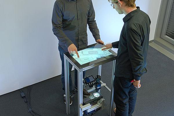 Zwei Personen können auf Fiberio arbeiten. (quelle: golem.de)