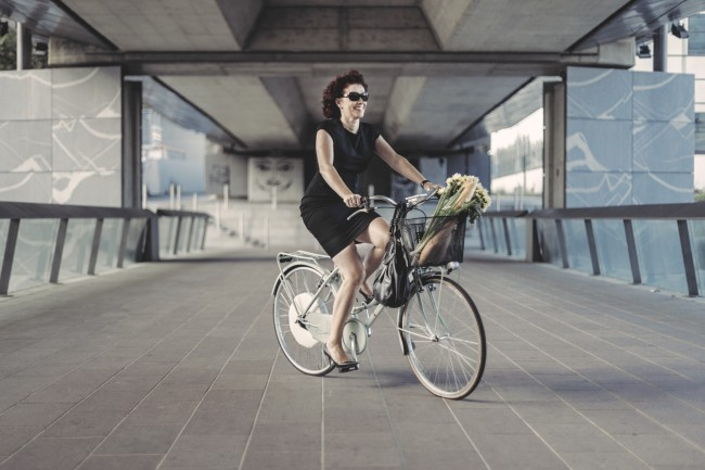 4 kg wiegt der in den Speichen des Hinterrads befestigte Elektromotor (Foto: FlyKly)