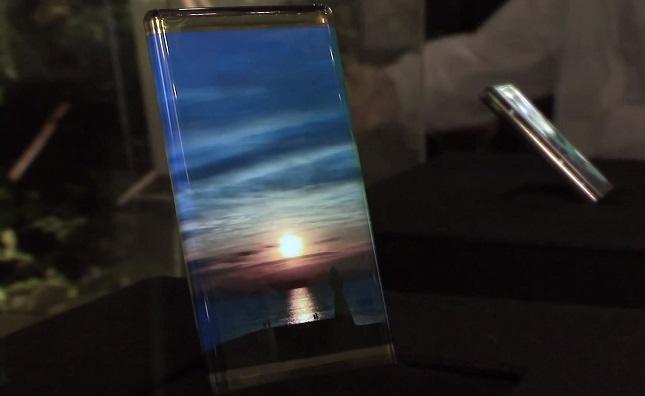 OLED-Display und Touchscreen statt Knopf - wenn es nach den Wünschen eines japanischen Unternehmens geht, ist das bald Realität (Bildquelle: AndroidAuthority)