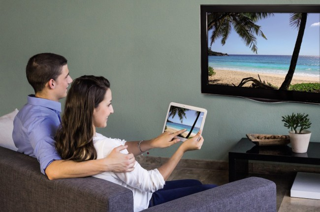 Natürlich kannst du auch die Inhalte deines Tablets auf deinen Fernseher streamen, Voraussetzung ist lediglich Android 4.3.1 oder höher. (Foto: Hama)