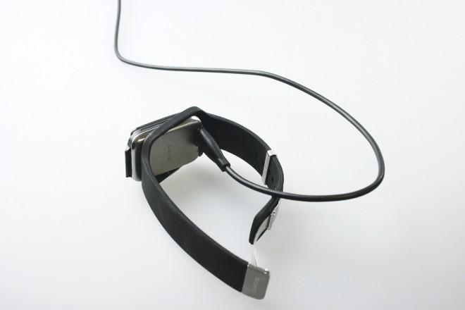 Sony_Smartwatch_3_lade