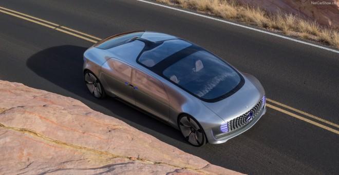 Das Exterieur des Mercedes F 015 ist zwar gewöhnungsbedürftig, sieht aber schon unheimlich futuristisch aus.