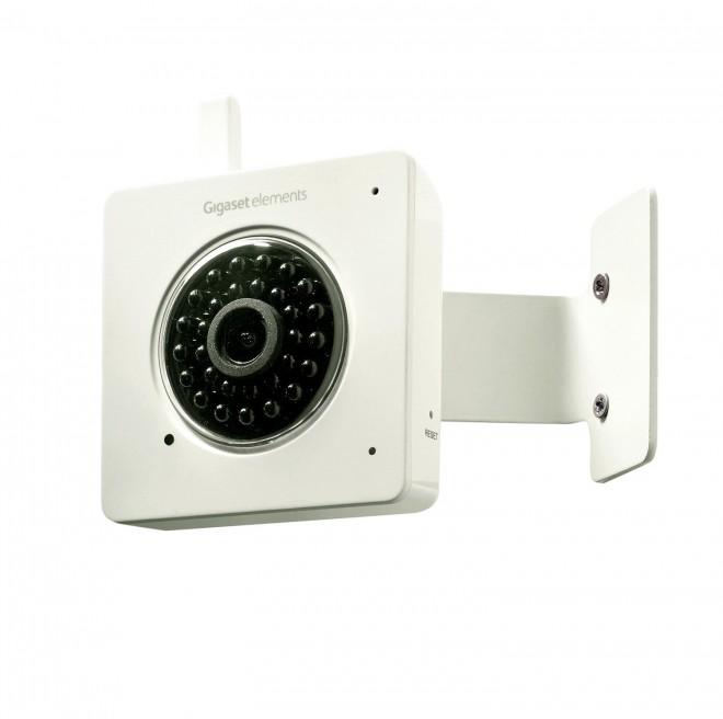 Die Weitwinkel-Kamera ist auch für den Nachteinsatz konzipiert und zeichnet in HD-Qualität auf. Bei Bewegung wird sie aktiviert und speichert die Daten in der Gigaset-Cloud.