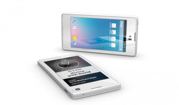 Das Yotaphone kommt mit einem LCD-Touch-Display vorne und mit einem E-Ink-Display hinten. (Foto Yota)