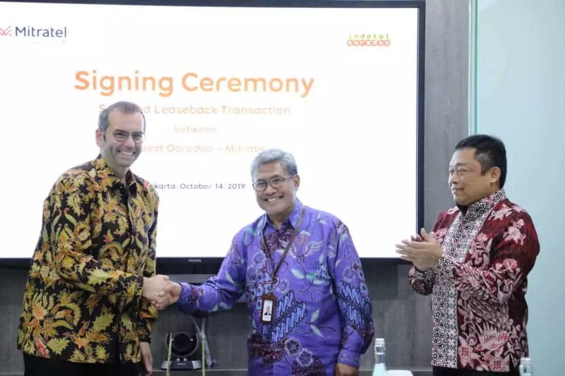 TelkomGroup Akuisisi 2.100 Menara Indosat Ooreedoo