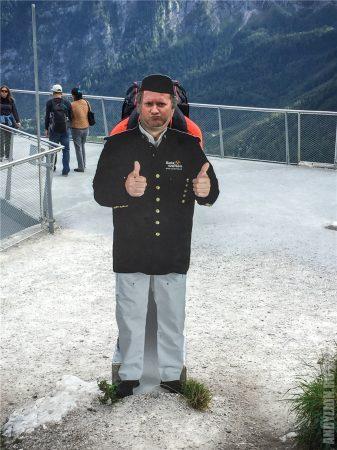 Андрей в форме сотрудника Salzwelten