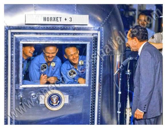 Le Président Nixon s'entretient avec les astronautes d'Apollo 11