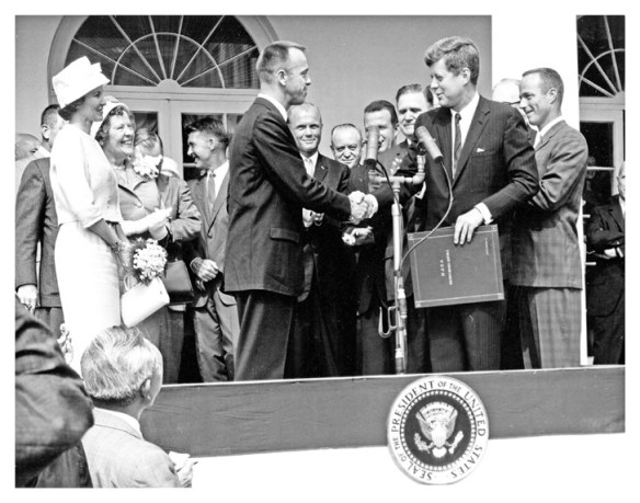 Shepard astronautes Mercury et le Président Kennedy