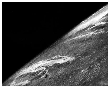 Première photo de l'espace