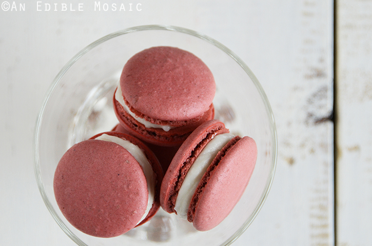Red Velvet Macarons 3