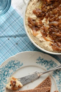 Warm Caramelized Onion + Chickpea Spread
