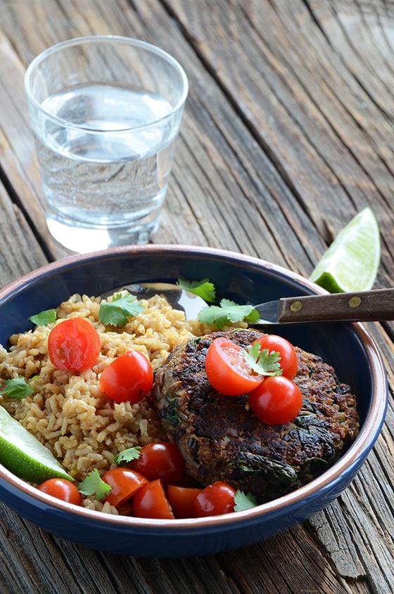 Cheap Dinner Recipes - Black Bean Burger Dinner| Homemade Recipes http://homemaderecipes.com/quick-easy-meals/cheap-dinner-recipes