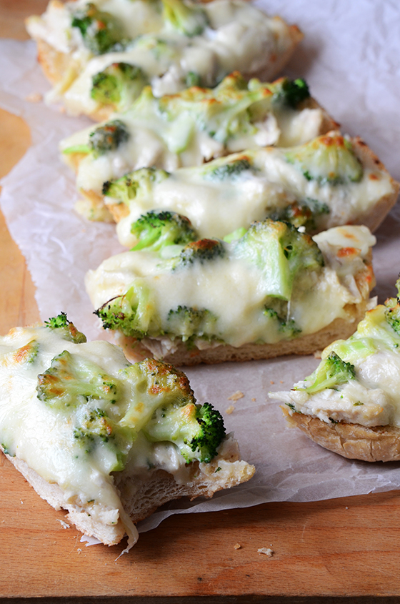 Chicken Alfredo Garlic Bread Pizza 2
