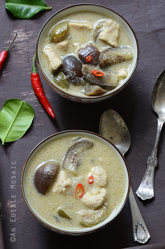 Thai Green Curry with Chicken (Kaeng Kiew Waan Kai) 3
