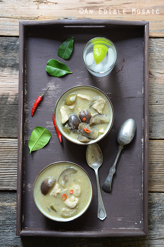 Thai Green Curry with Chicken (Kaeng Kiew Waan Kai)