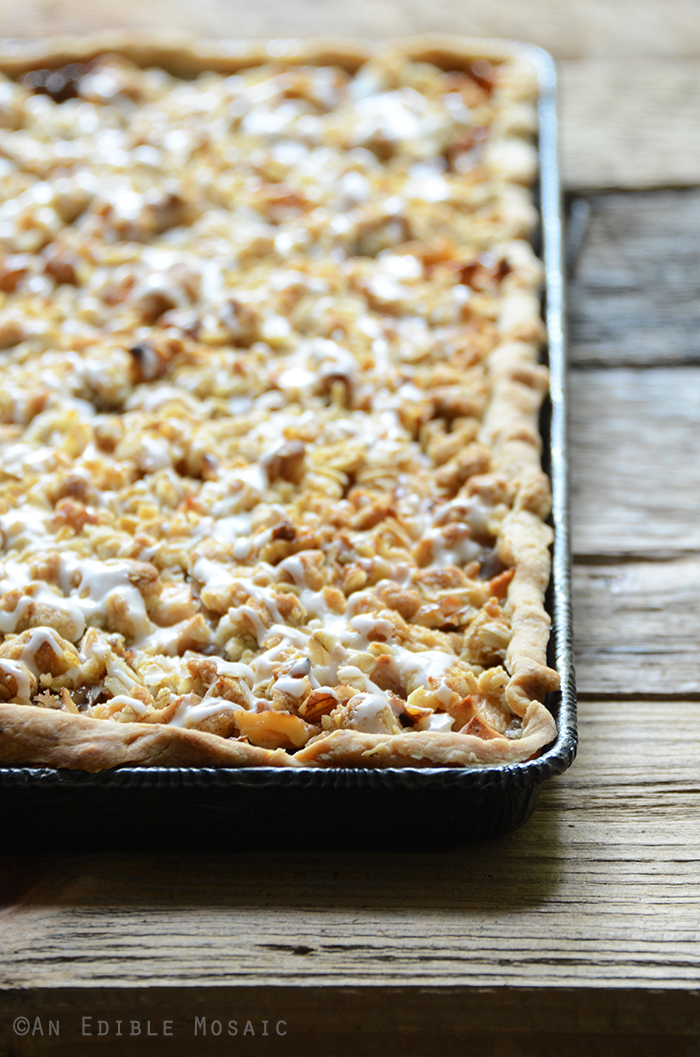 Apple Slab Pie with Nutty Oat Crumble Topping 4