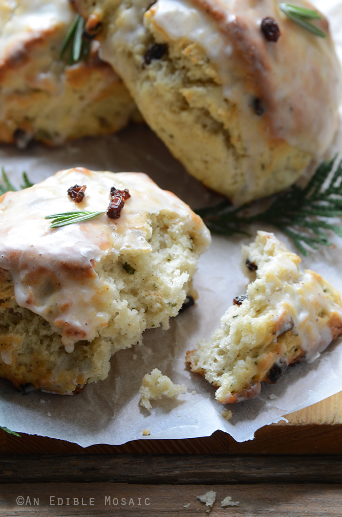 Christmas Morning Scones {aka Vanilla Bean, Nutmeg, and Rosemary-Scented Scones} 2