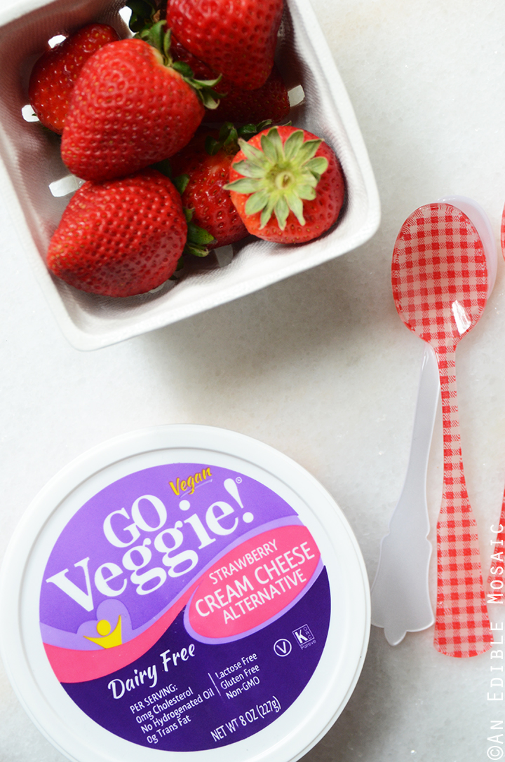 GO Veggie! Dairy Free Strawberry Cream Cheese