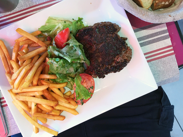 Mike's Hamburger Steak in Paris