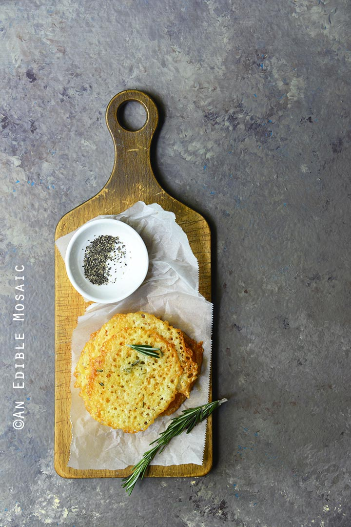 low-carb-white-cheddar-rosemary-crisps-2