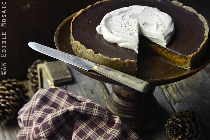 no-bake-vegan-spiced-pumpkin-tart-with-chocolate-ganache-paleo-5