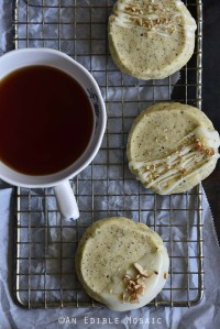 Chai-Spiced Vanilla Shortbread Cookies