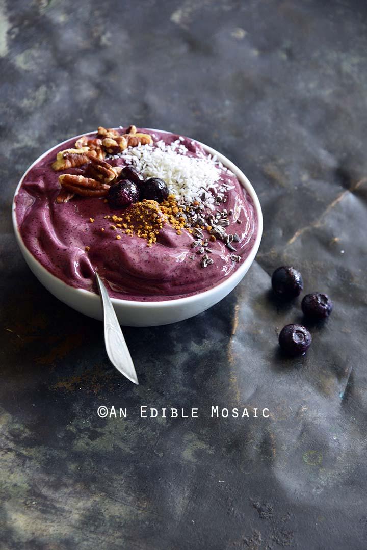 3-Ingredient Frozen Yogurt Berry Bowls