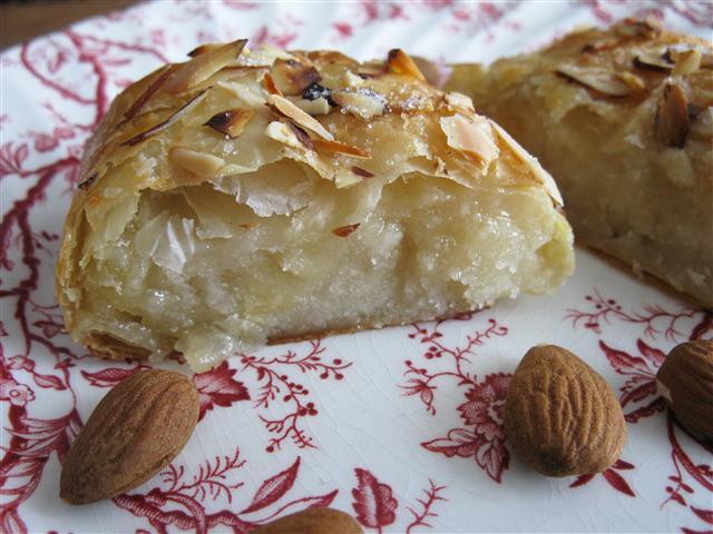 Dutch Christmas Food.Banketstaaf Dutch Christmas Log With Homemade Marzipan