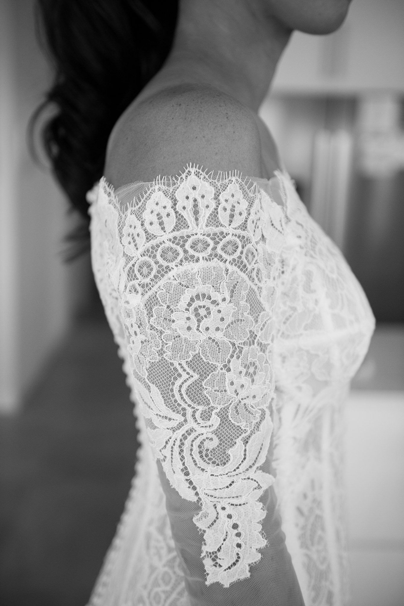 brides dress detail