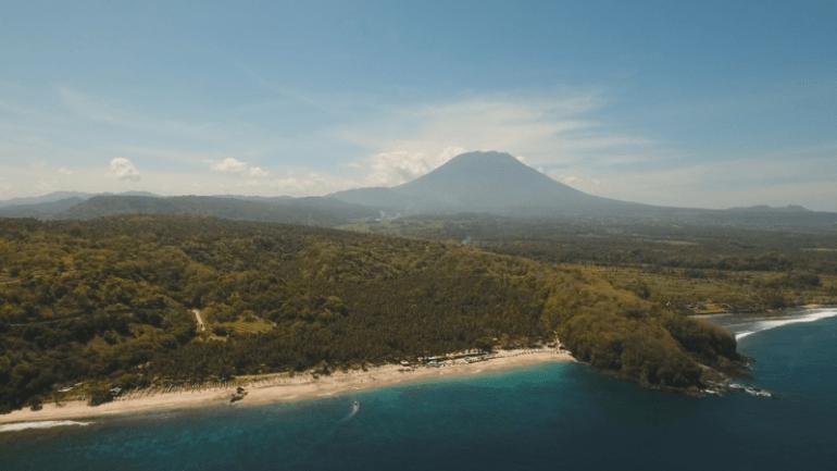 Pantai Virgin di Bali yang masih sepi pengunjung