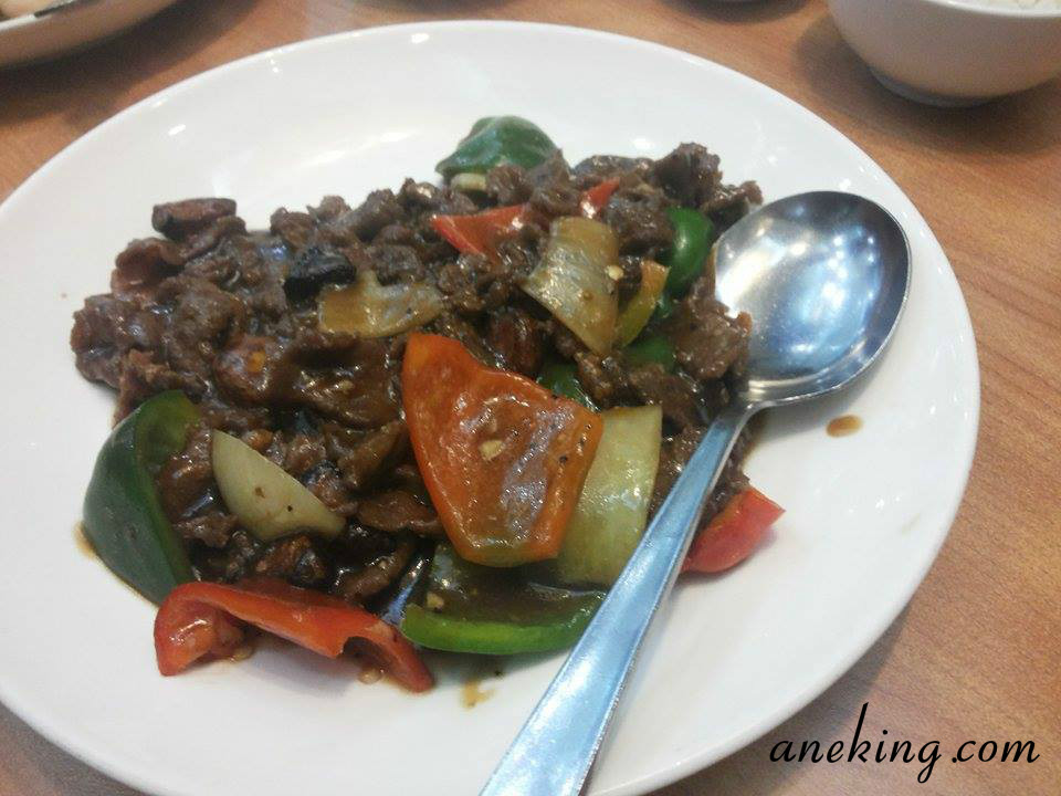 Beef with Black Pepper Sauce