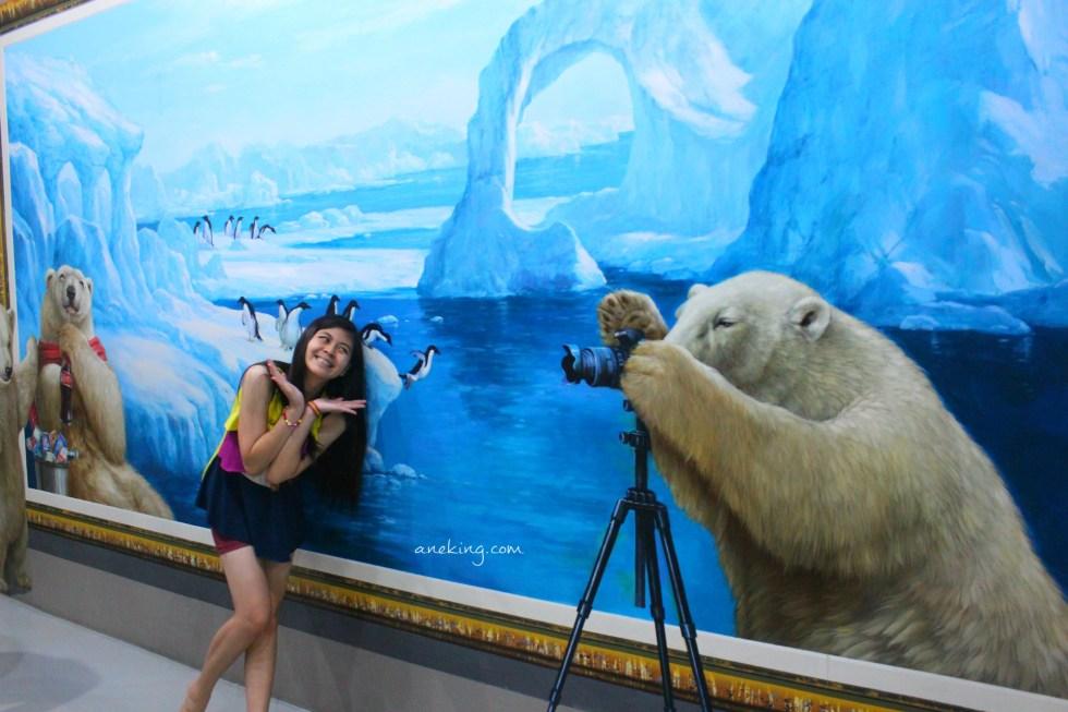 pandas in art in island
