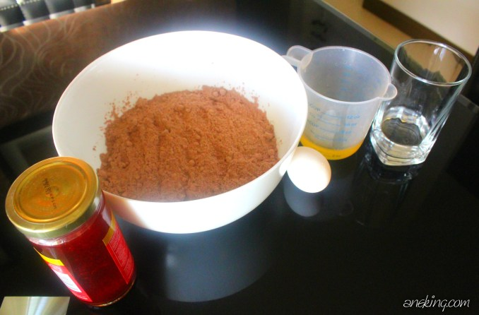 1-prepare-all-the-ingredients-needed-this-includes-brownie-mix-strawberry-jam-water-egg-and-oil