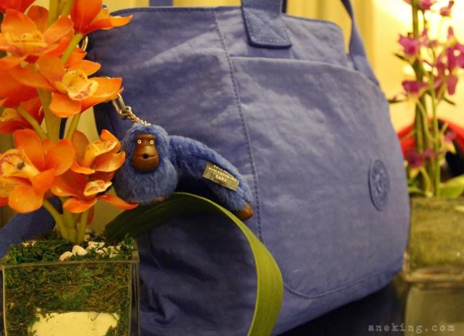 kipling-blue-shoulder-bag